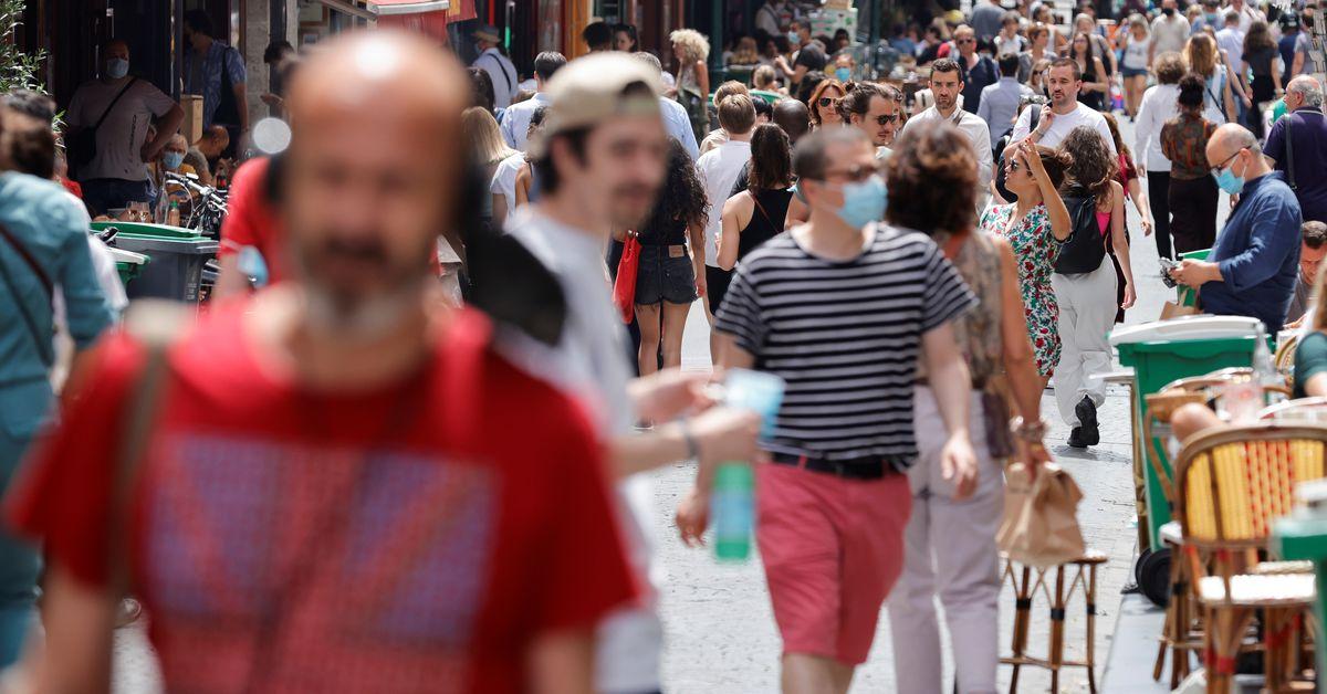 France studies over 10,000 new coronavirus circumstances for third day